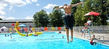 Off-season schedules - outdoor aquatic facilities by borough (in French).