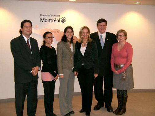 Élus de l'arrondissement d'Ahuntsic-Cartierville en compagnie de membres du CjM