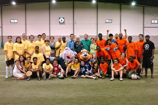 Joueurs des équipe de soccer des arrondissements de Côte-des-Neiges–Notre-Dame-de-Grâce et de Villeray–Saint-Michel–Parc-Extension