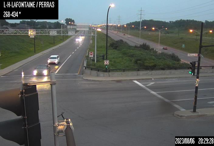 Image en direct pour la caméra Boulevard Louis-Hippolyte-La Fontaine et boulevard Perras