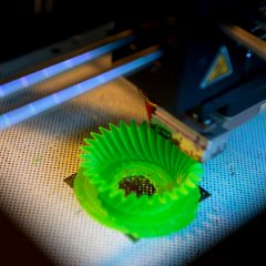 Living additive manufacturing : adaptable polymer to transform 3D printed objects