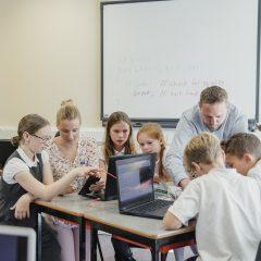 CyberCap Offers 40,000 young people Relève numérique with the campaign «Parrainez une école »