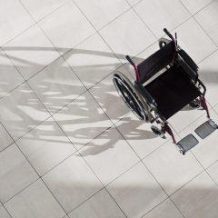 Une nouvelle génération de fauteuils roulants électriques contrôlés avec la langue