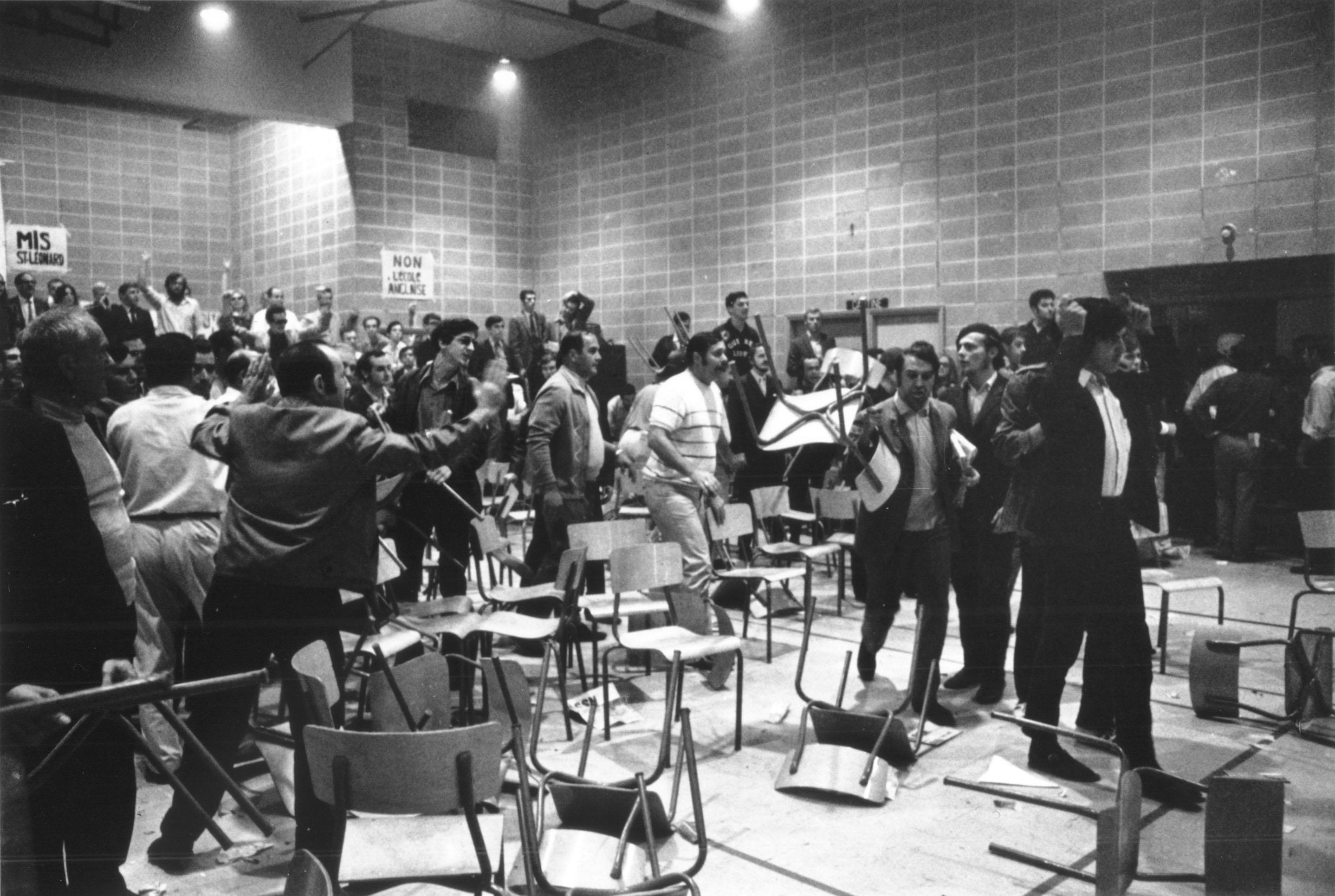 Bataille entre Italo-Québécois et Canadiens français à propos de l'intégration scolaire à Saint-Léonard