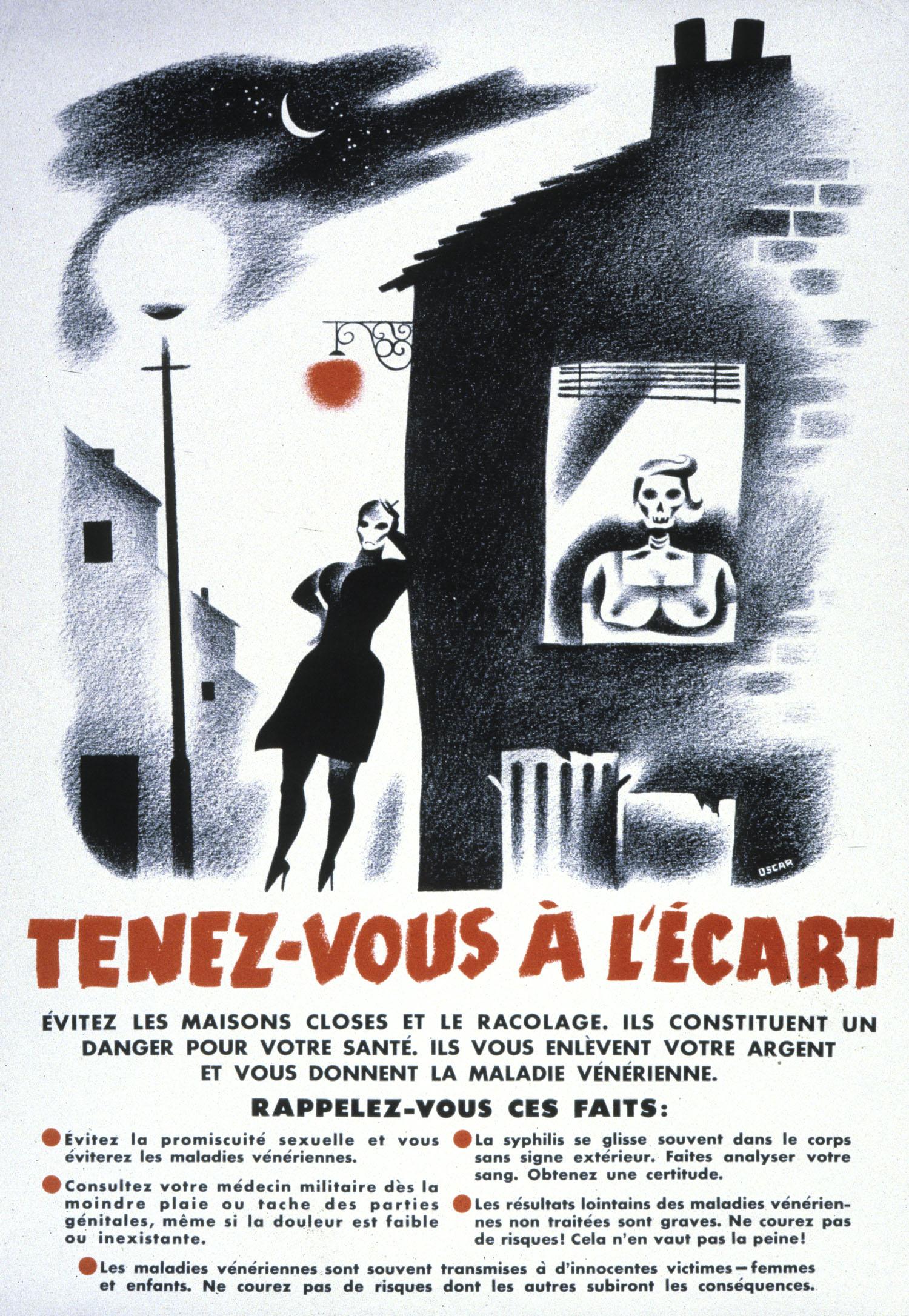 Une affiche en français titrée « Tenez-vous à l'écart » qui illustre une rue la nuit. Une femme est dans la rue et se tient sous une lumière rouge et une autre est à l'intérieur d'une maison. Le visage des deux femmes est remplacé par un crâne.