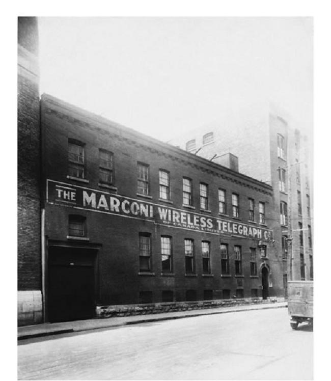 Édifice Marconi, rue Williams à Montréal, dans les années 1920.