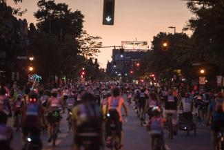 Cyclistes lors du Tour la nuit en 2016