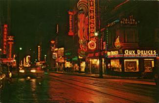 Carte postale de la rue Sainte-Catherine vers l'est dans les années 1960.