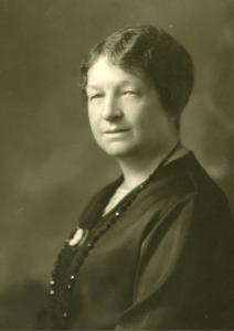 Portrait buste de Marie Lacoste Gérin-Lajoie