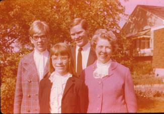 Bruce Allan avec sa famille en 1967