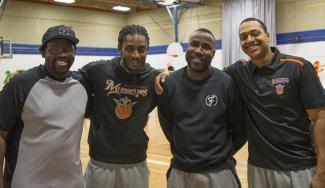 Quatre anciens joueurs des Monarques et aujourd'hui entraineurs