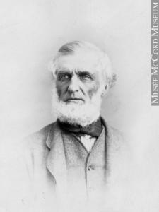 Portrait photographique d'un homme.