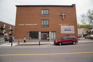 Édifice de la mission Santa Cruz sur la rue Rachel.