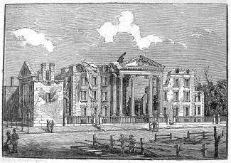 Gravure illustrant le palais endommagé et des alentours. Une partie du toit et des murs du bâtiment manquent.