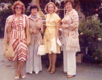 Photo de quatre femmes dont deux Colombiennes