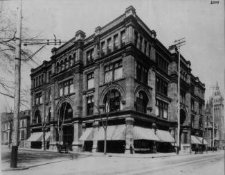 Magasin Morgan rue Sainte-Catherine vers 1890.