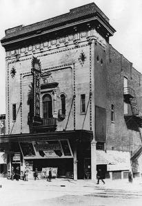 Façade du Théâtre Strand de Montréal en 1915.