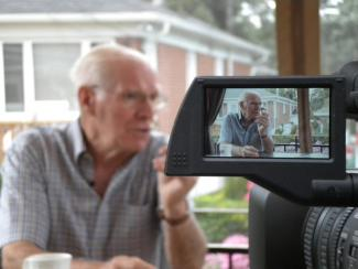 Un témoin filmé par la caméra de Marc Thomas-Dupuis.