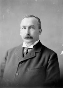 Portrait de l'Honorable Clifford Sifton.
