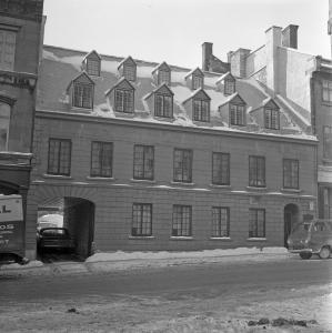 Façade de la Maison de Louis-Joseph Papineau rue Bonsecours en hiver