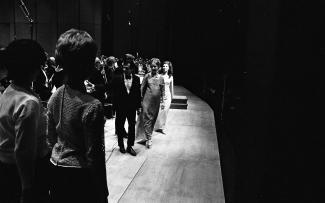 Sortie de scène sous les ovations d'André Prévost et Michèle Lalonde