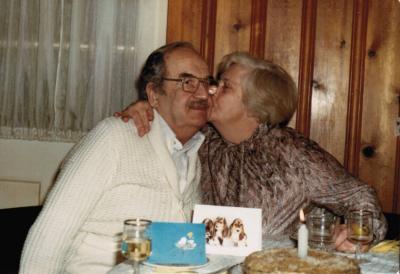 La mère et le père de Charles dans leur demeure de Montréal-Ouest.