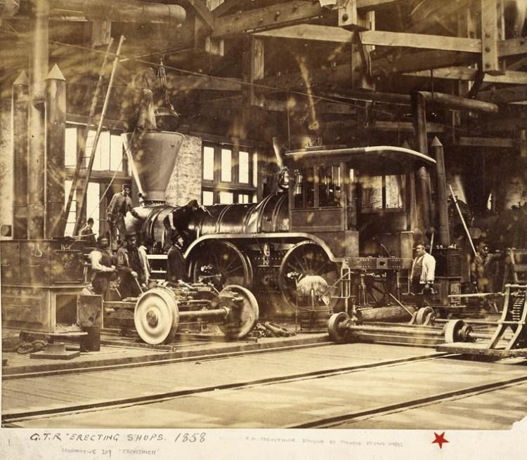 Locomotive « Trevithick » dans une salle de montage de la Grand Trunk Railway en 1858 à Pointe-Saint-Charles.