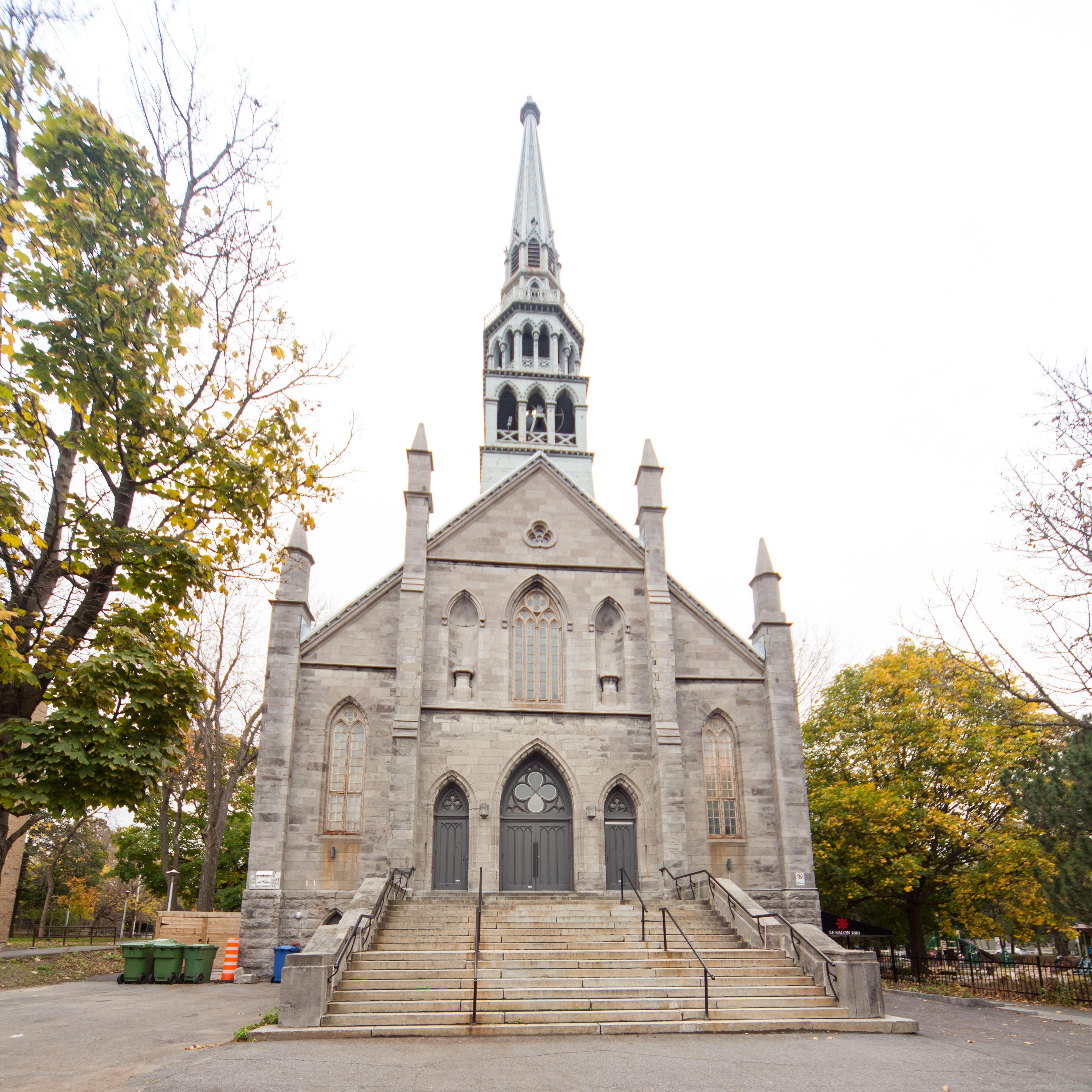 Façade extérieure de l'église Saint-Joseph