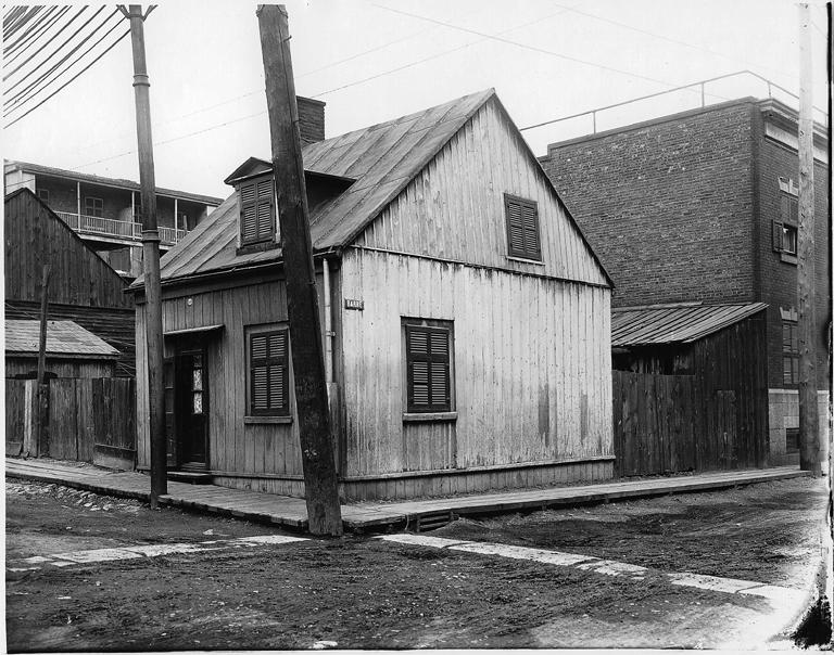 Maison ouvri re dans griffintown en 1903 coin barr et - Magnifique maison du milieu du xxe siecle renovee ...