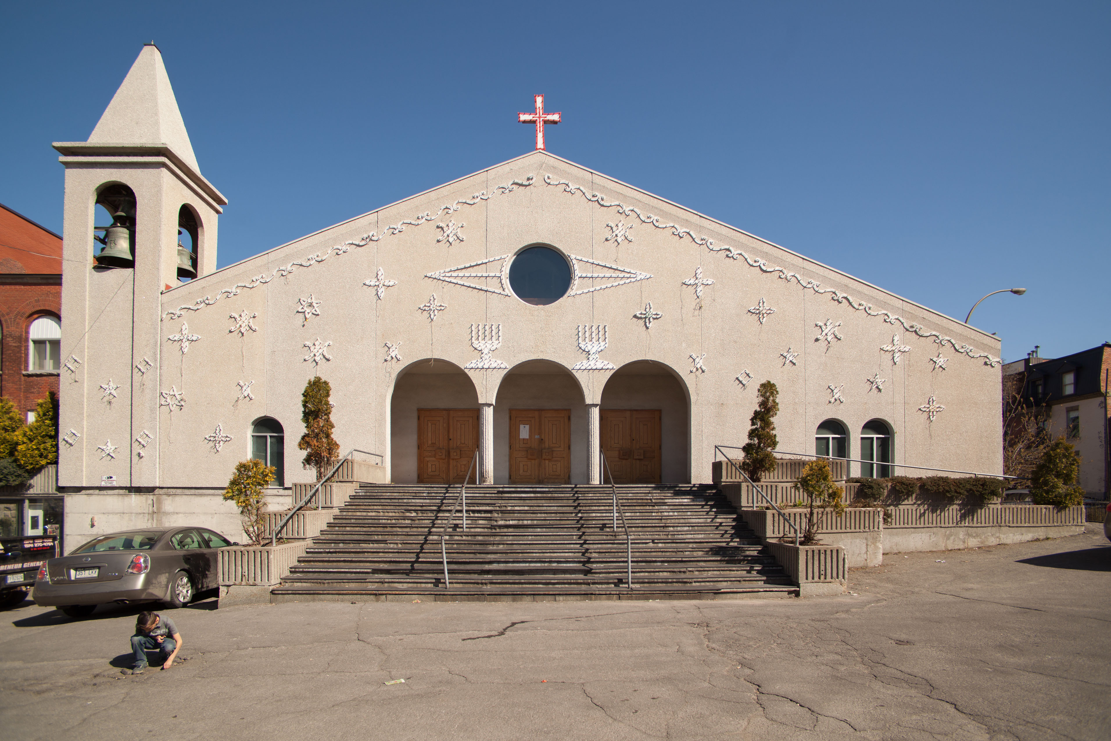 Église Santa Cruz sur la rue Rachel Ouest.