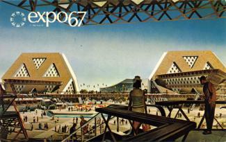 Carte postale montrant une vue extérieure de L'Homme interroge l'Univers