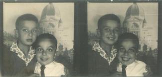 Deux photos de photomaton de deux garçons avec l'oratoire Saint-Jospeh en toile de fond