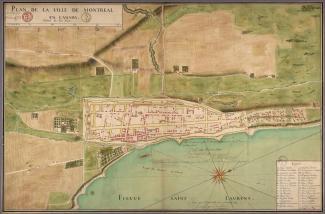 Plan aérien de Ville-Marie fortifiée avec son port, marquant au bas de l'image la «Route des Barques, ou Chenal». On y lit que le plan a été «Veu et aprouvé par le Conseil de Marine».