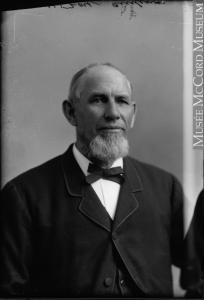 Portrait de l'architecte Alexander Cowper Hutchison