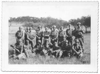 Groupe de militaires portugais en Guinée en 1966.