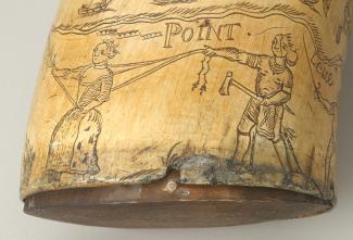 Un guerrier autochtone tient une prisonnière en habit européen à l'aide de longues cordes.