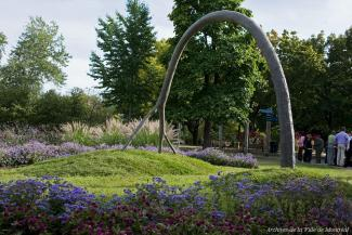 Œuvre d'art public L'arc de Michel de Broin