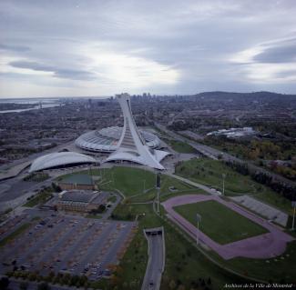 Vue aérienne du Parc Olympique en 1987.