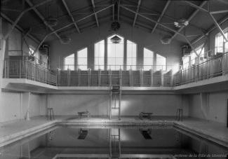 Vue intérieure du bain public Hogan