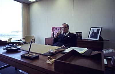Robert Shaw à son bureau de la Cité du Havre