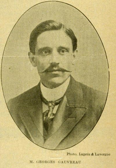 Portrait buste de Georges Gauvreau sur la page d'une revue, avec l'inscription «M. Georges Gauvreau»