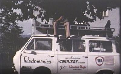 Capture d'écran du documentaire montrant une camionnette de Télédomenica