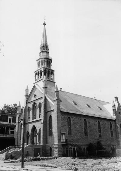 Photo en noir et blanc de l'église Saint-Joseph