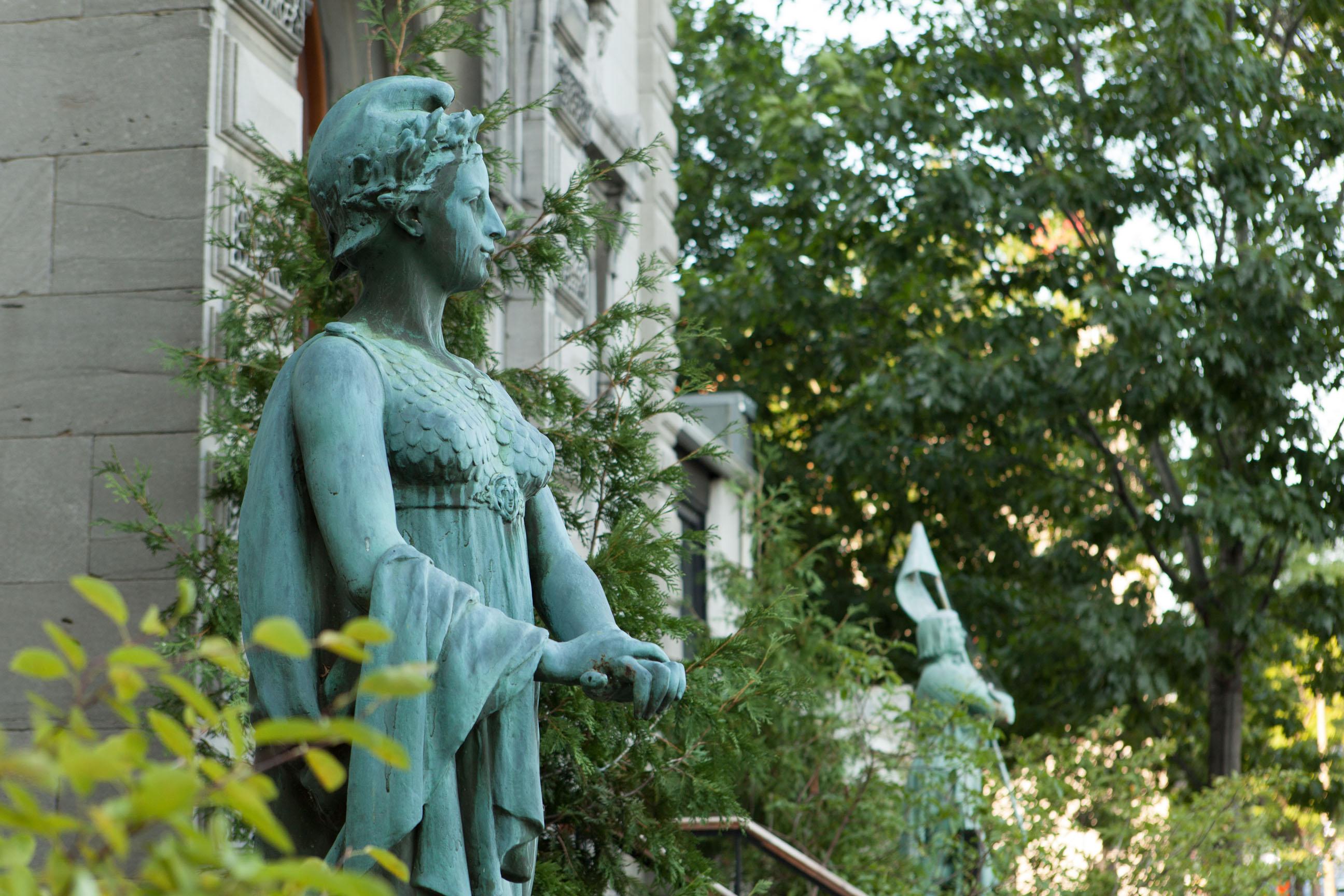 Aux origines de l union fran aise de montr al m moires for Chambre de commerce francaise a montreal