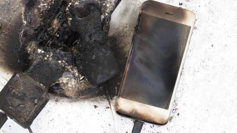 Cellulaire ayant pris feu dû à une surcharge