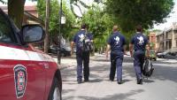 Trois brigadiers sur la route.