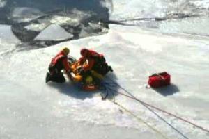 Équipes spécialisées du Service de sécurité incendie de Montréal : Sauvetage sur glace