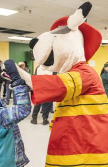 La mascotte du Service de sécurité incendie de Montréal, Chef
