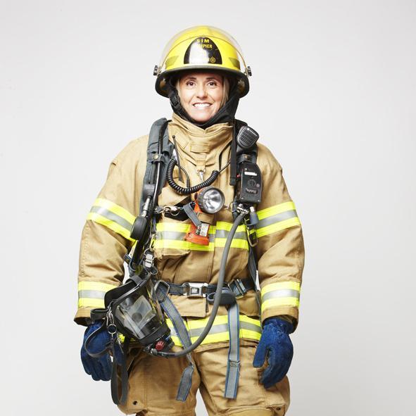 Pompière du Service de sécurité incendie de Montréal.