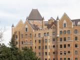 Vue de la façade donnant sur The Boulevard des appartements Trafalgar. Photographie.